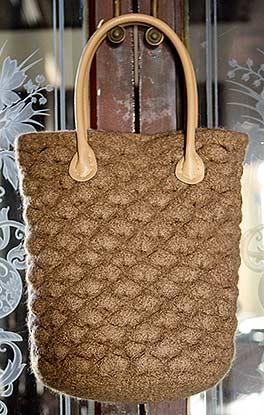 Tasche mit Muschelmuster
