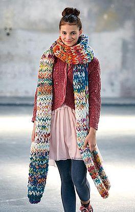 stylischer XXL-Schal mit doppeltem Kreuzanschlag