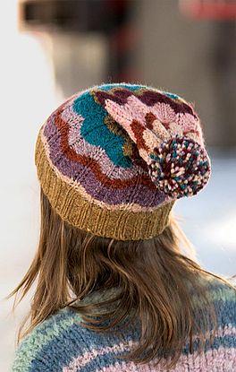 Mütze im Zackenmuster in Runden mit Pompon