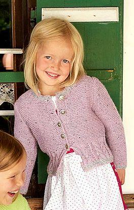 Mädchenjacke mit Zopfmuster im Bund