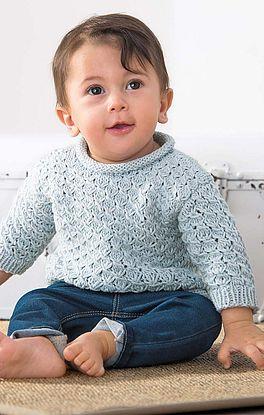 Babypulli im falschen Zopfmuster